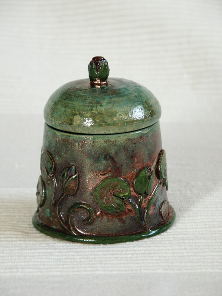Art nouveau box with leafs