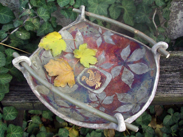 Plate with leafs (square)